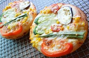 夏野菜のフォカッチャピザ.